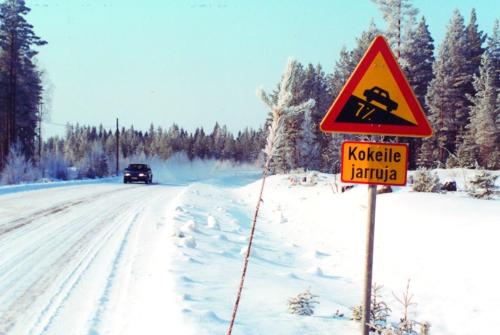Talvikuva, hiljainen tie