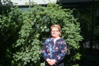 Kuvassa maksatuspäällikkö Anne Palokoski.