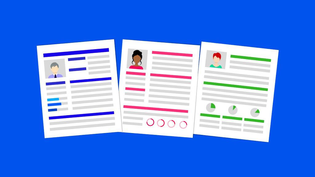 Graafinen toteutus kolmesta asiakirjasta sinisellä taustalla. Asiakirjat mukailevat ansioluetteloja.